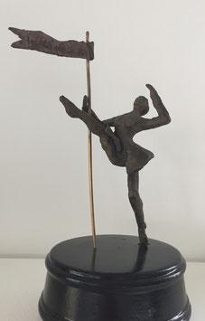 Bronzeskulpturen auf Spieluhr von Ines Mösle