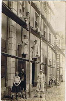 Firmengründer Louis Schumacher und Mitarbeiter um 1930
