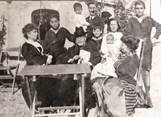 La famiglia Pontecorvo negli anni '20.