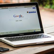 Computer mit Google offen. Quelle Pixabay