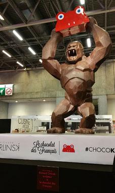 kong du sculpteur richard orlinski au salon du chocolat de paris