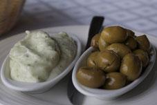 Alioli, Oliven und Brot