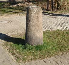 Postmeilenstein in Gutow vor Haus 1