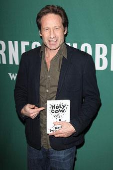 David Duchovny amb el seu llibre