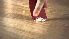 Kaarsvet verwijderen van laminaat