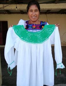 Mexikanische Mode, Damenbluse, Tunika, Sommerkleid aus Mexiko, Blumenstickerei, Frida Kahlo Mode, Boho, Hippie, Ethno, Folklor