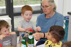 3. Natron in einen Ballon & über die Flasche stülpen... und...
