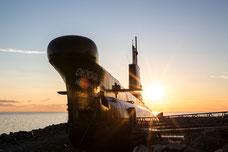 Photo du sous-marin Onondaga du site historique maritime de la Pointe-au-Père à Rimouski Québec Canada au coucher de soleil par Marie Deschene Photographe