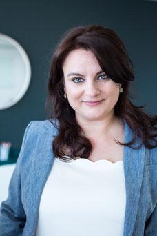 Portrait photo corporatif d'une femme d'affaires de Montréal au Québec par Marie Deschene