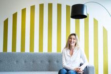 Photographie corporative portrait femme professionnelle Claudia Fofuca à Montréal par Marie Deschene photographe Pakolla