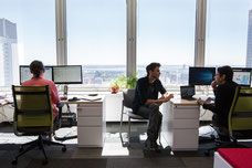 Photographie des bureaux de Tourisme Montréal avec vue sur le Saint-Laurent par Marie Deschene Pakolla