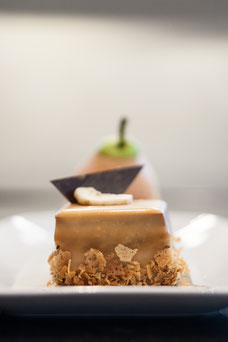 Desserts with pear and caramel at Renoir the Sofitel restaurant in downtown Montreal photo taken by Marie Deschene photographer for Tourisme Montréal