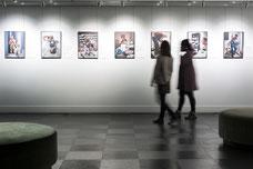 Exposition de photos d'un artiste suédois pendant le Festival FIKAS de 2019 à la Place des Arts de Montréal photo prise par Marie Deschene photographe