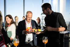 Evening for influencers at the Place Ville Marie Summit invited by Tourisme Montréal to promote the city as a must-see tourist destination photo taken by Marie Deschene photographer for Pakolla