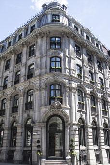 Hôtel Gault vue de l'extérieur dans le Vieux-Montréal photo prise par Marie Deschene photographe pour Tourisme Montréal