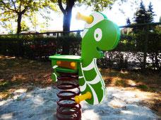 gioco a molla lombrotto iochi per parco, giochi per parchi, attrezzature per parchi gioco, strutture ludiche Stileurbano Ciuffo Baobab certificati Norma EN1176 CATAS stileurbano oratorio FOM odielle abbiategrasso