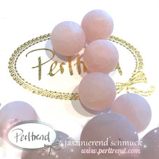 www.perltrend.com Edelsteine Gemstones Steine Perlen Heilsteine Schmuck Schmuckdesign Perltrend Luzern Schweiz Onlineshop Rosenquarz rosa pink rosa matt Edelsteinperlen