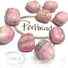 www.perltrend.com Edelsteine Gemstones Steine Perlen Heilsteine Schmuck Schmuckdesign Perltrend Luzern Schweiz Onlineshop Rhodochrosit rosa pink trommelstein