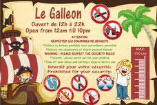panneau personnalisé pour structure gonflable pirate en Français et Anglais. Avec horaires et pictogrammes avec les interdictions.