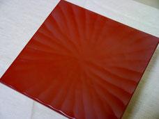鎌倉彫 手刳り角皿 刀花|鎌倉漆工房いいざさ