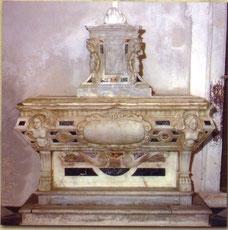 Duomo: Tomba Barone Maurizio Valdina - 1600