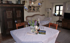 Das zentral gelegene Ferienhaus ist von Weingärten umgeben und bietet absolute Ruhe und Entspannung.