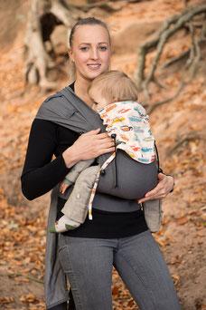 Stillen in der Babytrage, Wrap Tai von Huckpeack.