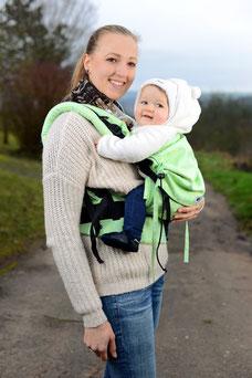 Full Buckel Babytrage von Huckepack, stufenlos anpassbar, gefertigt aus Tragetuchstoff