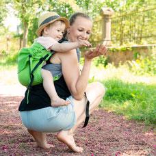 Onbu Babytrage, stufenlos mitwachsendes Rückenpanel, gefertigt aus Tragetuchstoff, Kindertrage