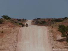 Durch die roten Dünen der Kalahari