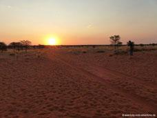 Sonnenuntergang im Wildreservat der Auob Lodge