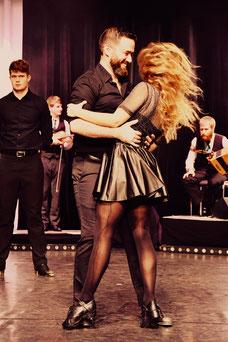 Moderne Irische Tanzshow by Andrew Vickers