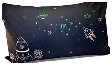 Namens-Kissen WELTALL mit Leucht-Sternen ab 29€