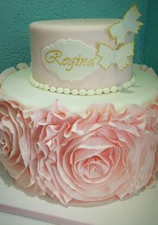 Pastel rosetones con olanes
