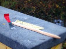 Imkereibedarf, Werkzeug für Imker, Raucher, Stockmeißel, Bienenbesen und Schutzkleidung für Hobbyimker