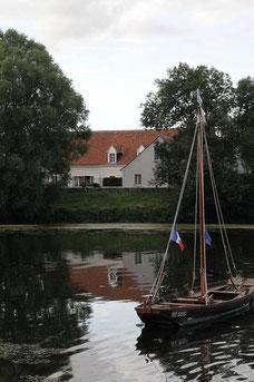 chambre-dhotes-aux-reflets-du-Cher-Touraine-Vallee-Loire-Tours-Amboise-tourisme-hebergement-près-vignoble-cave-Vouvray-Montlouis