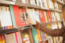 著作権料50%、書店流通は無料