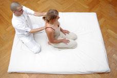 Behandlung in sitzender Position