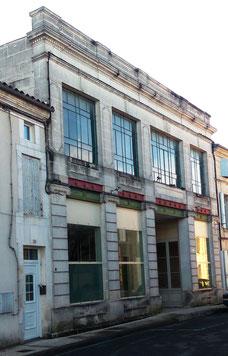 La salle Bellue à Baignes Sainte Radegonde 16360, recyclerie & brocante de Bellue