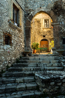 Navelli, porta San Pelino L'Aquila