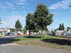 Blick auf das Gelände des Fachmarktzentrums Almhöhe in Soltau / Heidekreis