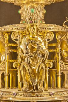 Second reliquaire de la Sainte Couronne d'Épines,  offert à Notre Dame par Napoléon III, dessiné par Viollet le Duc et réalisé en 1862 par Placide Poussielgue-Rusand.