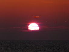 Rotwein zum Sonnenuntergang