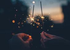 Brennende Wunderkerzen Neujahr 2017
