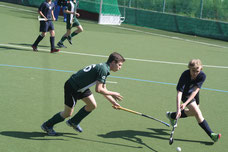 Matteo Jung (grünes Trikot) im Turnierspiel gegen Argo Berlin