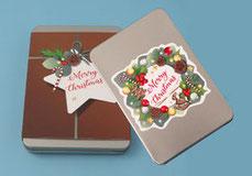 weihnachtliche Geschenkbox mit bedruckter Banderole