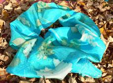 Mediumprint Schal mit Blättern von Geranium, Ahorn und Eiche