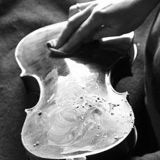 Verkauf von restaurierten Geigen in Bonn
