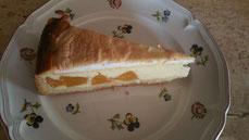 Pfirsich-Käse-Kuchen mit Baiser