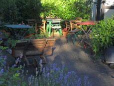 Erholung im Garten im Urlaub Haus Sommer, funkfrei, WLANfrei